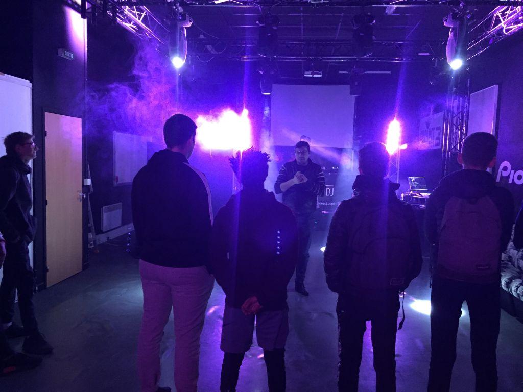 visite de l'école de DJ's UCPA Lyon